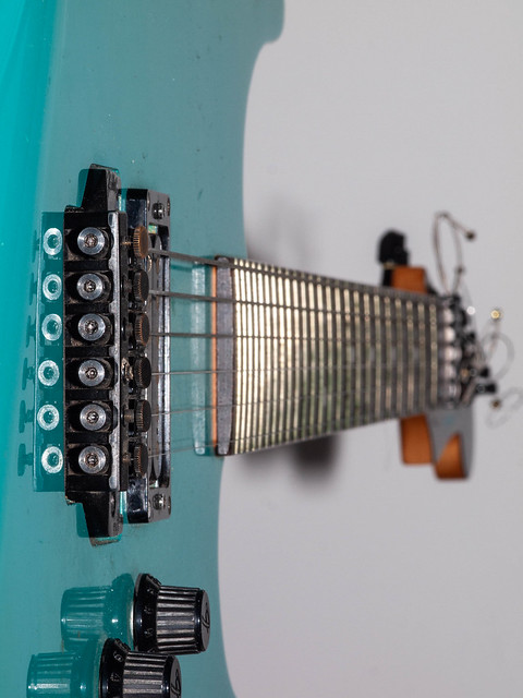 365.165 - My guitar, Olympus E-30, SIGMA 105mm F2.8 MACRO