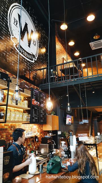halfwhiteboy - west town's coffee 01
