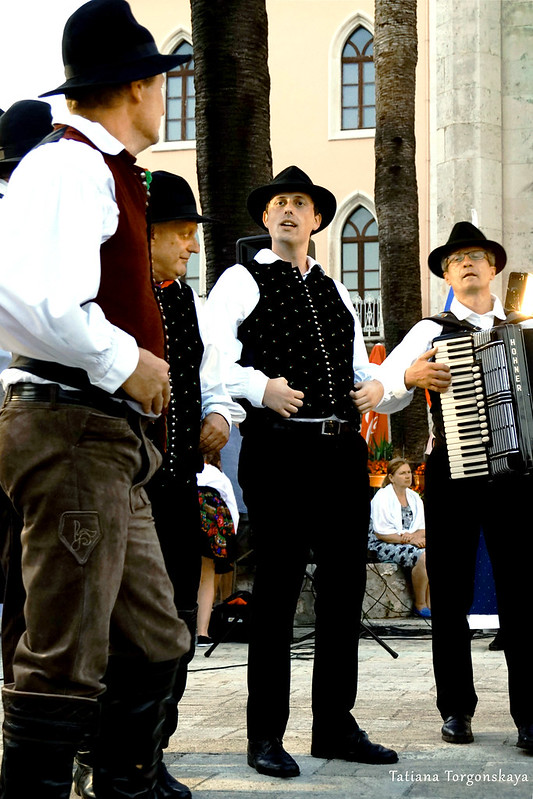 Мужчины из фольклорной группы Словении