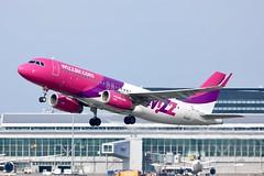 Wizzair A320 HA-LYD departing WAW/EPWA