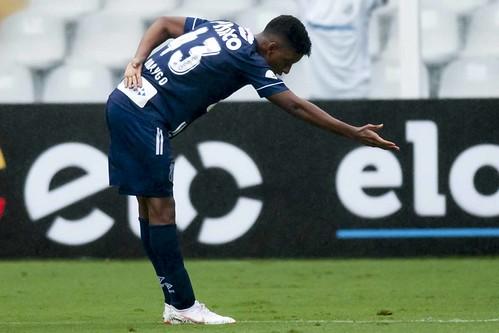 Santos FC 5 x 2 Vitória - Campeonato Brasileiro na Vila Belmiro
