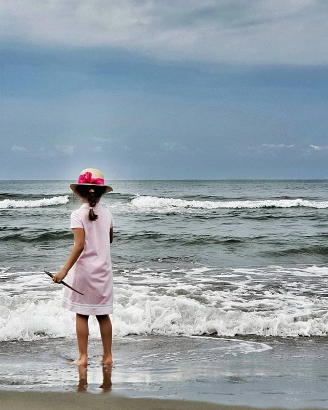 The beach #beach #hat #beauty #love #mylittlebabygirl #kid #play #fun #love #summer #sand #sea #cloud #sky #cloudy #igers #igersitalia #picoftheday #bestoftheday