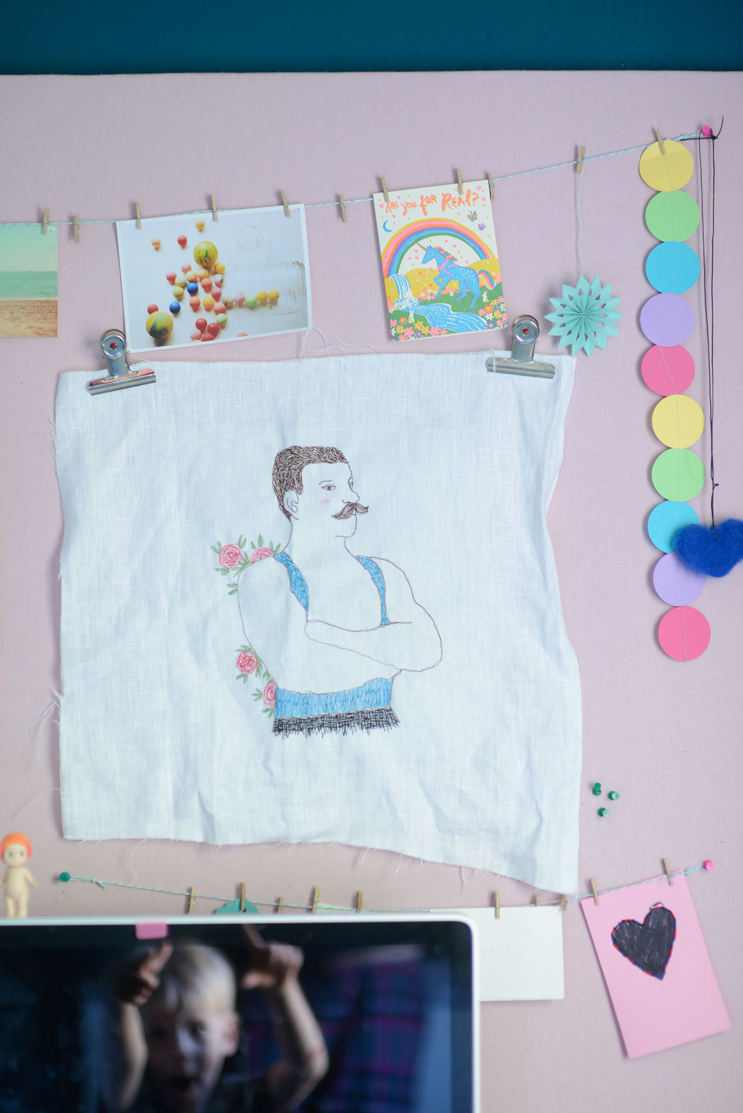 Embroidery art by Knit Design Story