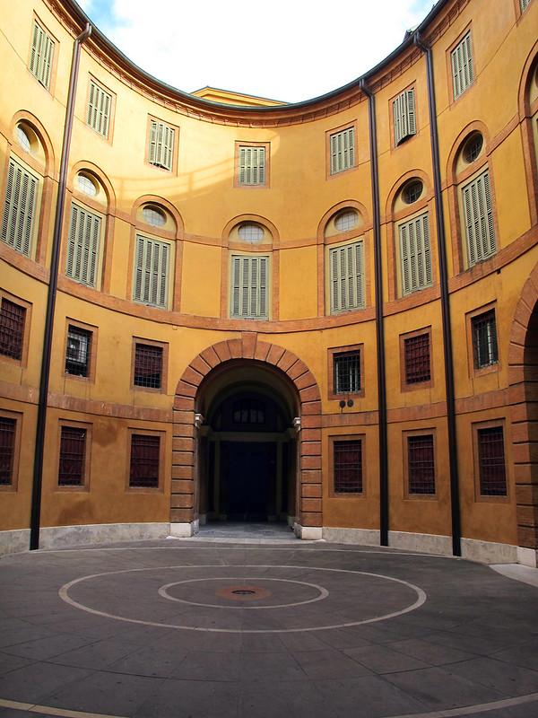 Ferrara,_rotonda_foschini_06