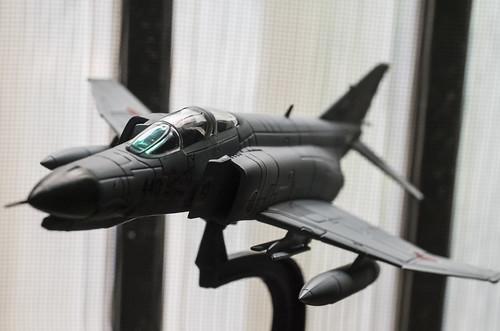 エアファイターコレクションのF-4EJ改をフォーカスブラケットで撮る