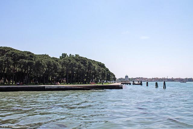 Parco delle Rimembranze, isola di Sant'Elena e il Lido in lontananza