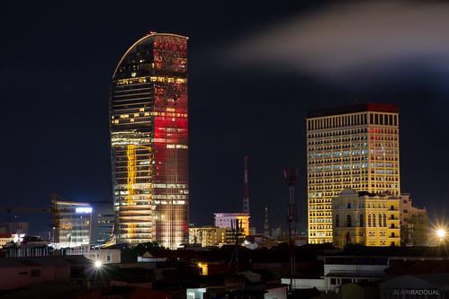 asia cambodia cambodge phnompenh asie fireworks feuxdartifice vatannac tower urbanscape night nuit reflet reflection