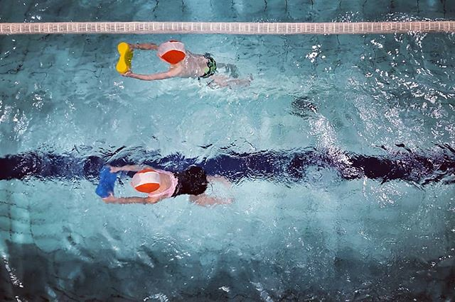 Swimming #fun #play #sport #water #swimmingpool #mylittlebabygirl daughter #kids #blue #igersmilano #igersitalia #igers #cute #lovely #colorful #colors