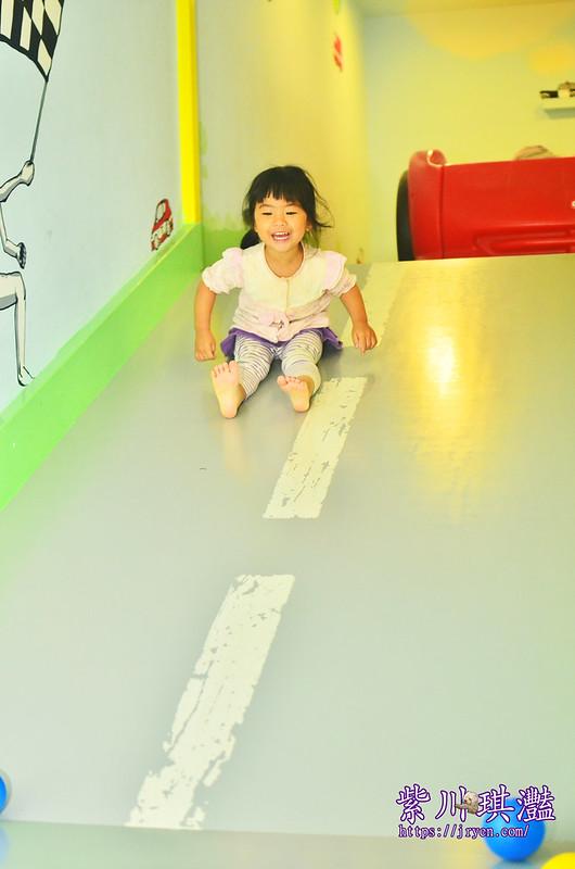 台南滑梯民宿003