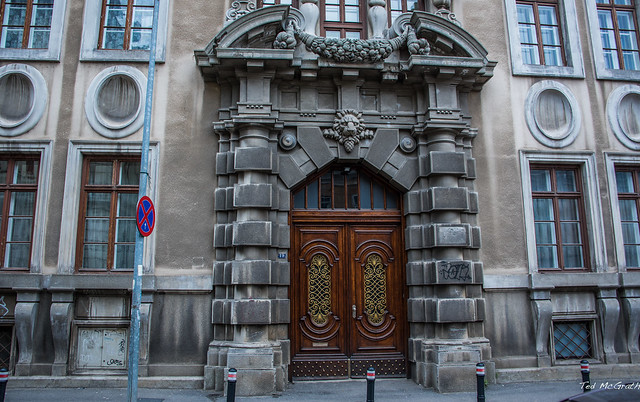 2018 - Romania - Bucharest - Ornate Entrance