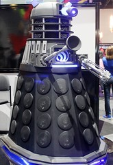 2017-Dr Who's Darlac Statue at SDCC-01