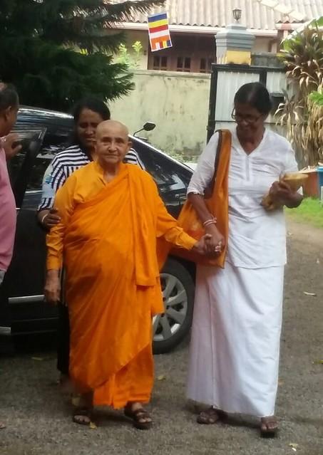 Kusuma bhikkuni