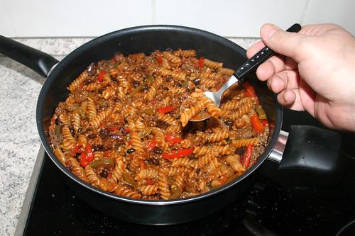 34 - Nudeln probieren / Try pasta