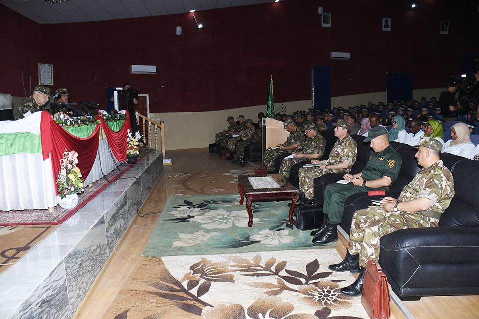 الجزائر : صلاحيات نائب وزير الدفاع الوطني - صفحة 21 42433274151_f80c58d04c_b