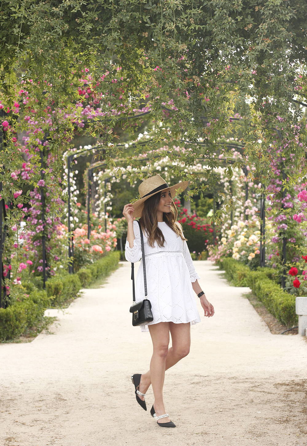 white summer dress givenchy bag street style outfit 2018 el retiro03