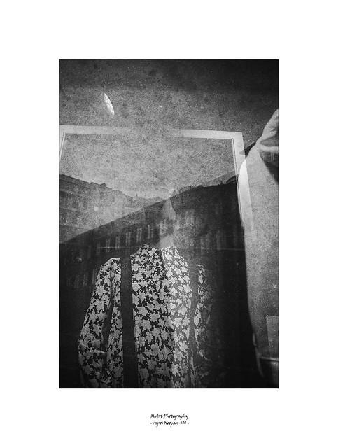 pascale devant le miroir