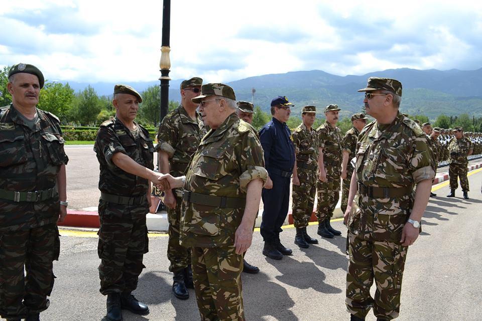 الجزائر : صلاحيات نائب وزير الدفاع الوطني - صفحة 23 28769975508_fdae52f178_b