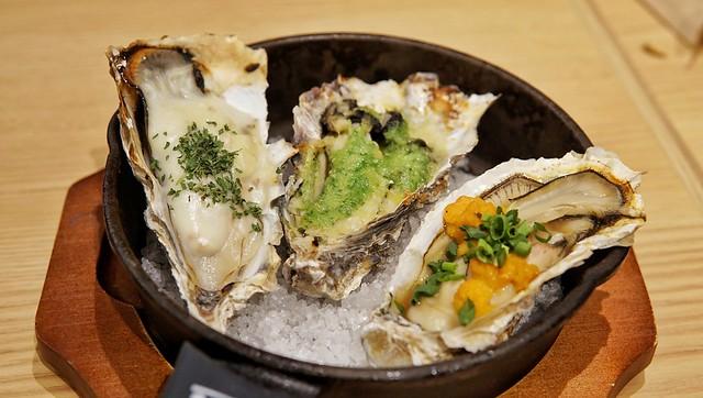ラゾーナ川崎 焼き牡蠣