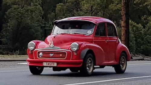 A Tasty Morris Minor 1000 on the Great Eastern Highway at Mundaring, WA