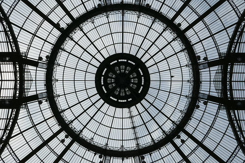 Looking up into the center circle - Grand Palais - Explored!