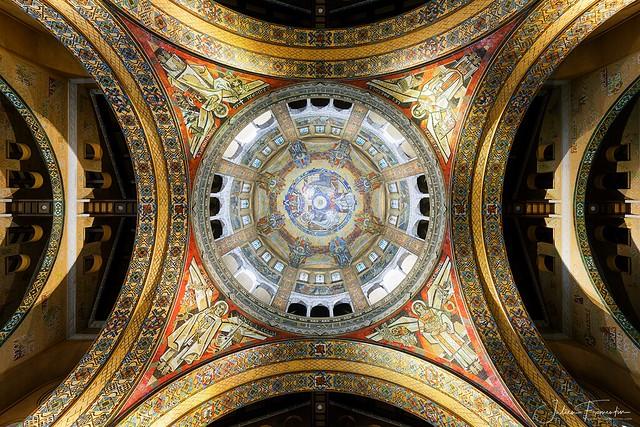 Dôme de la Basilique Sainte-Thérèse de Lisieux