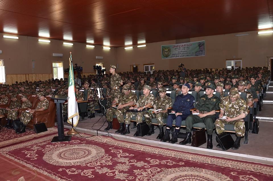 الجزائر : صلاحيات نائب وزير الدفاع الوطني - صفحة 22 27753088377_7bf3220f9a_b