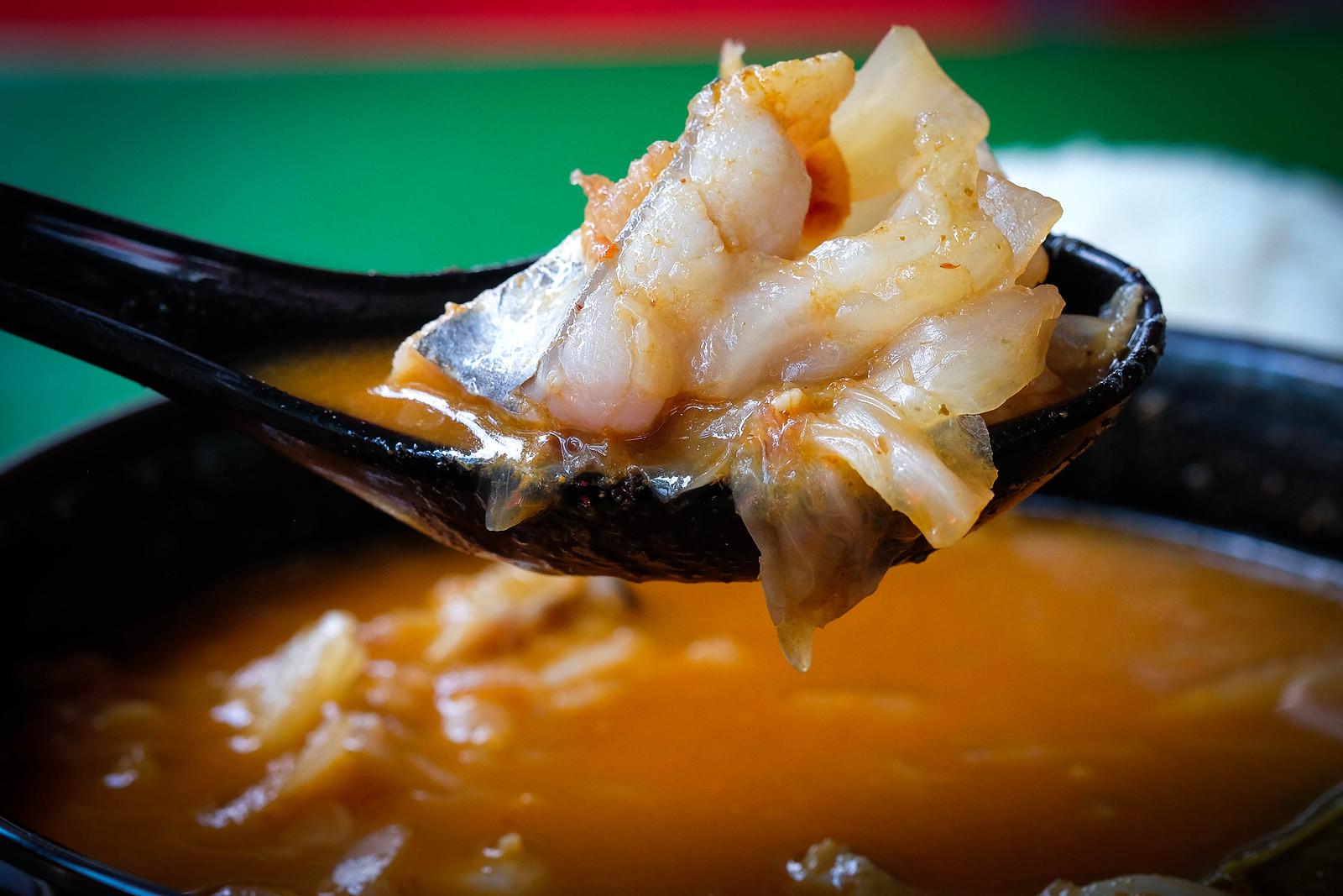 tai seng fish soup tom yam close up_2