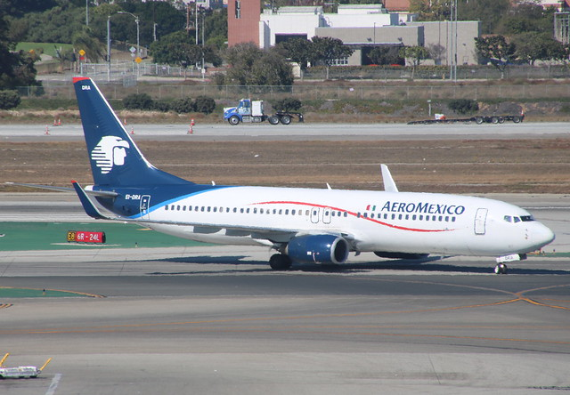 Boeing 737 EI-DRA Los Angeles 15/10/17, Canon EOS 760D, Tamron 16-300mm f/3.5-6.3 Di II VC PZD Macro