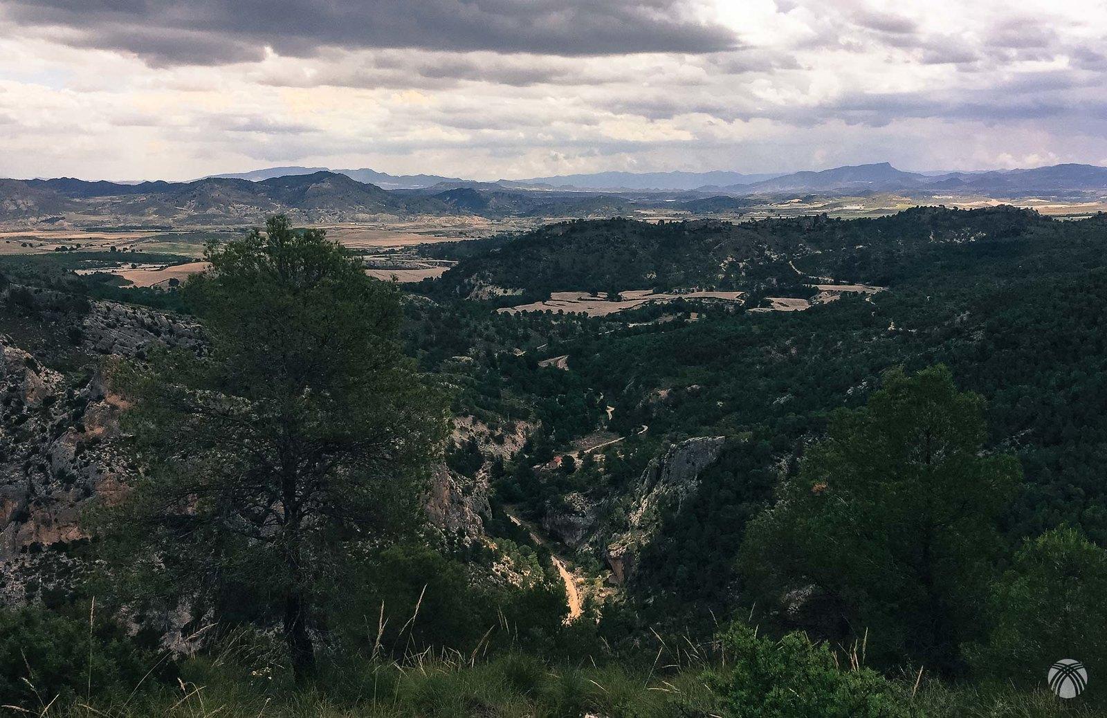 Cañón del Río Luchena desde la cara este del cerro de los Machos