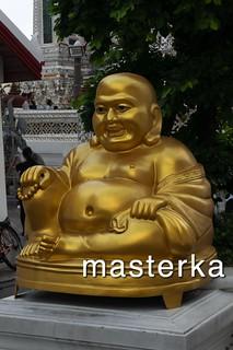 ワットアルン の像