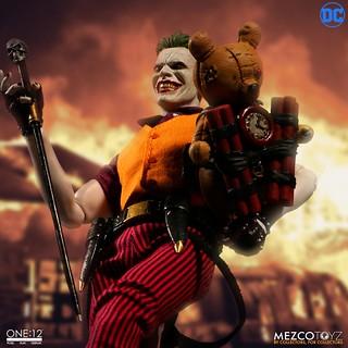 完美展現小丑瘋狂的驚人頭雕!! MEZCO ONE:12 COLLECTIVE 系列【小丑:犯罪王子】The Joker: Clown Prince of Crime Edition 1/12 比例人偶作品