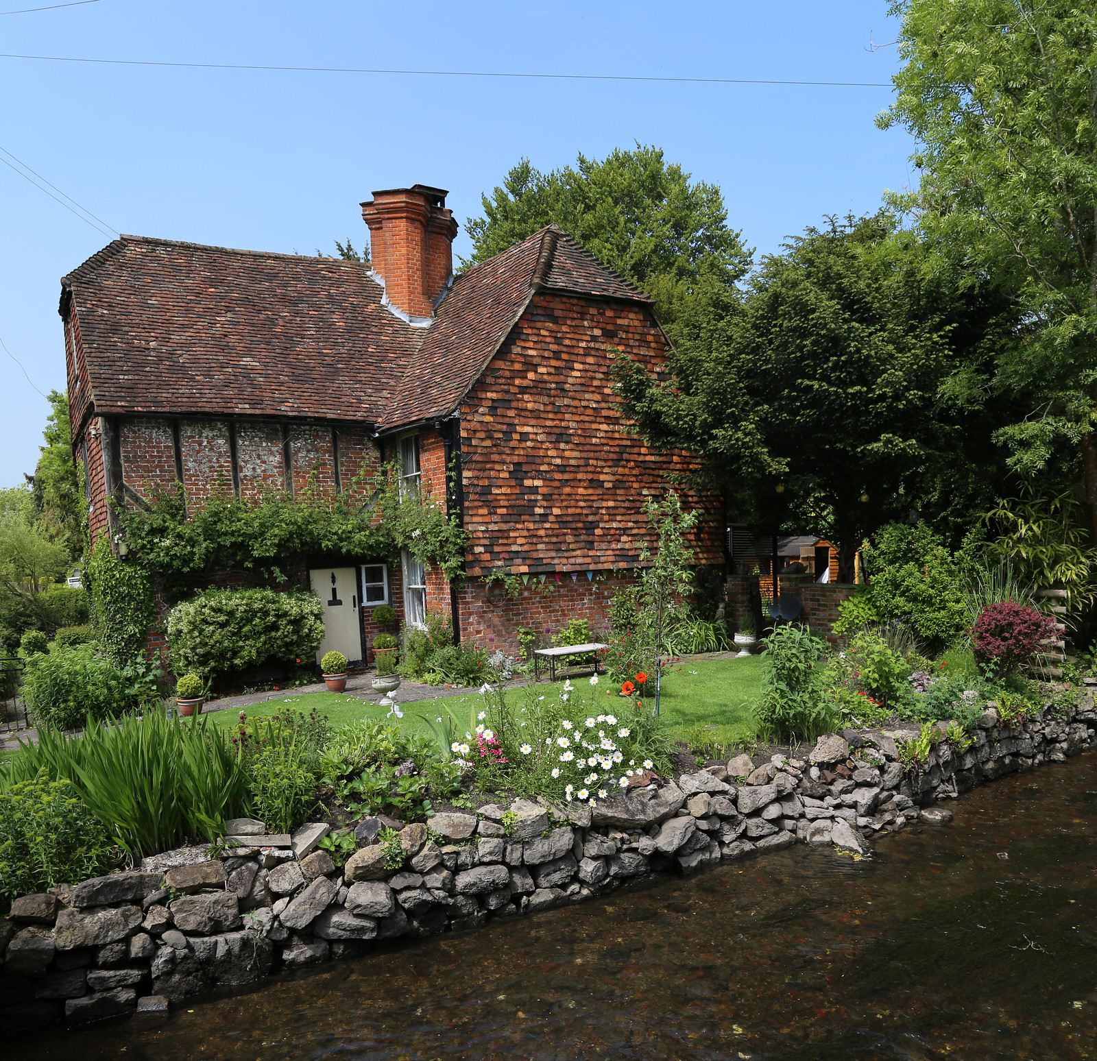 Garden by the river - Otford to Eynsford Walk