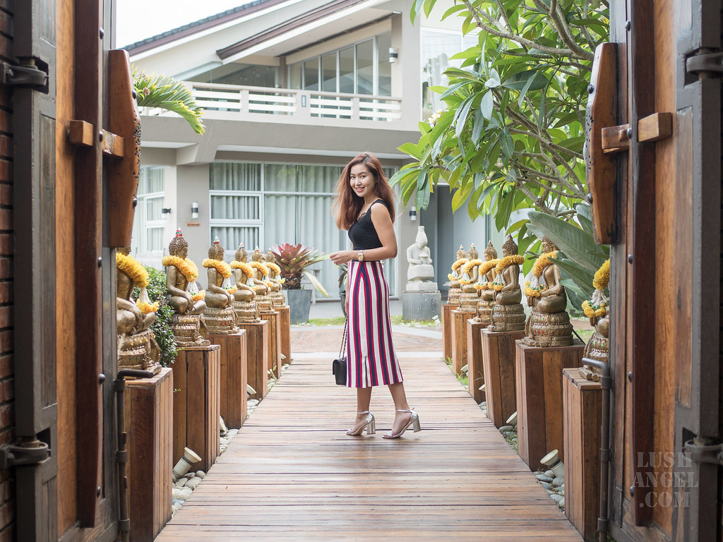 vertical-stripes-skirt