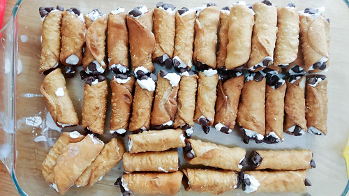 Filled & Dipped Cannolis