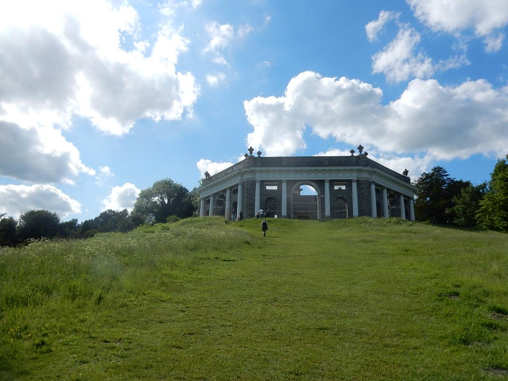 Running up that hill.... I think one of them bushes is called Kate. The Dashwood Mausoleum. Saunderton Circular via West Wycombe