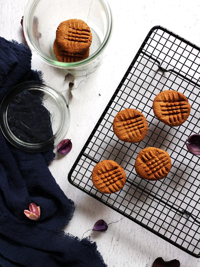 全素花生餅乾 6-ingredient-peanut-butter-cookies (1)