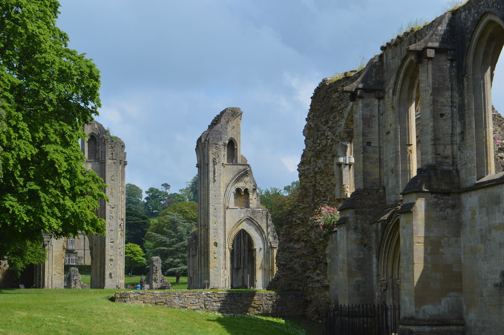 This is a picture of glastonbury abbey