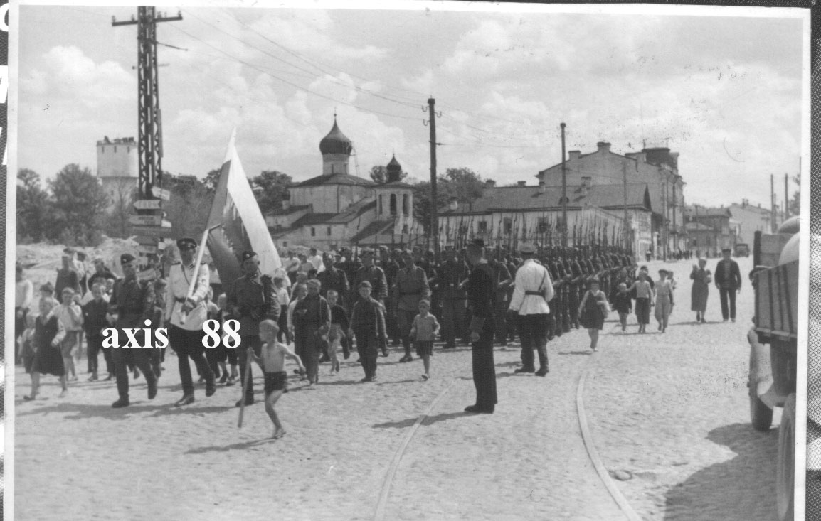 Парад Гвардейской бригады РОА в Пскове