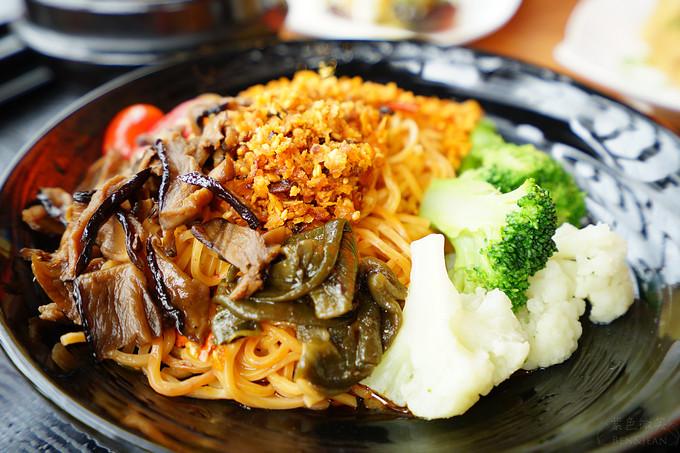 素香菇酥醬拌麵1