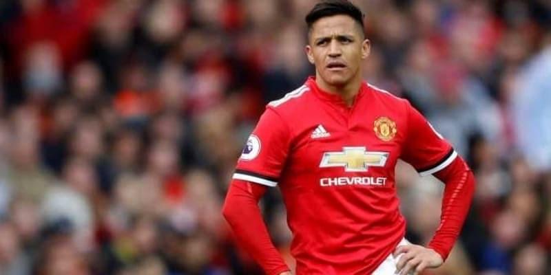 Alexis Sanchez Ngambek Karena Nomer Punggung 7 Diberikan Kepada Ronaldo