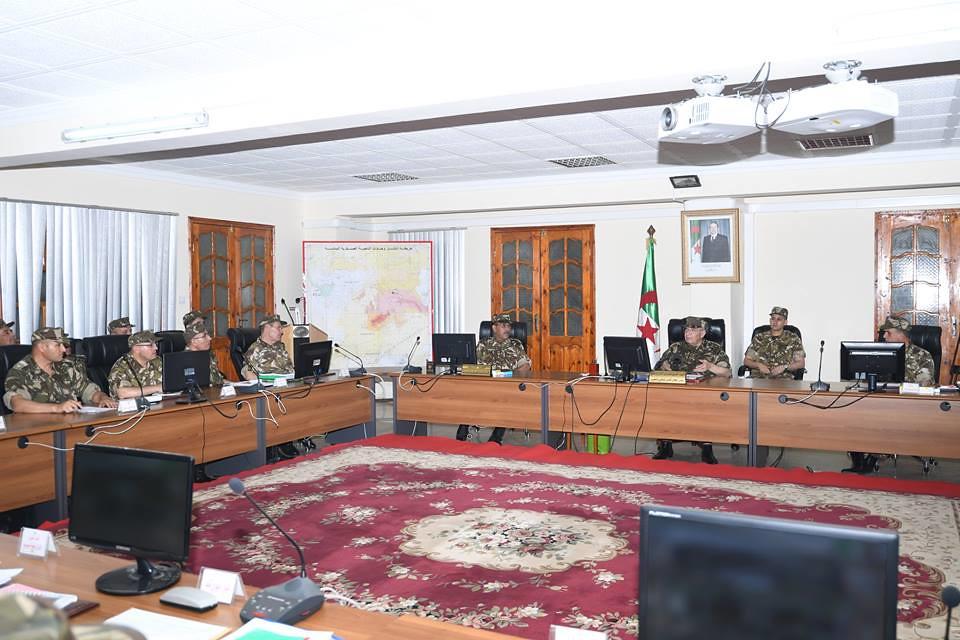 الجزائر : صلاحيات نائب وزير الدفاع الوطني - صفحة 21 40608510500_d890a83eb3_b