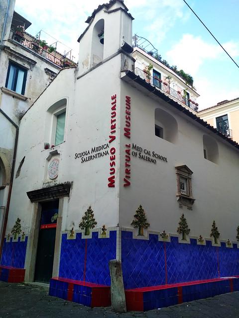 0389_IMG_20180510_172157_Salerno_v_dei_Mercanti_museo_Scuola_Medica_Salernitana