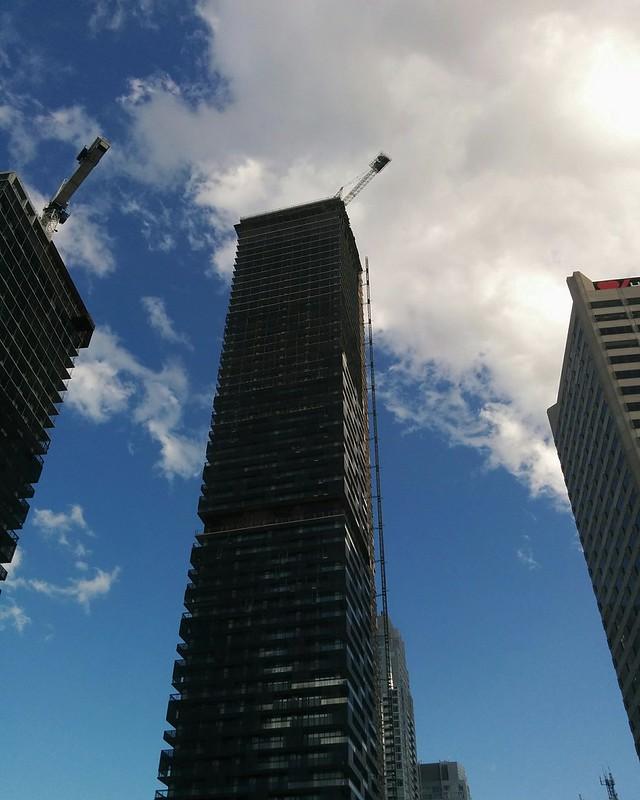 Towers against clouds #toronto #yongeandeglinton #econdos #yongeeglintoncentre #tower #clouds #construction