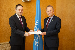 NEW PERMANENT REPRESENTATIVE OF SERBIA PRESENTS CREDENTIALS TO THE DIRECTOR-GENERAL OF THE UNITED NATIONS OFFICE AT GENEVA