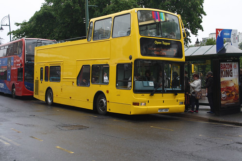 Yellow Buses 434 T207XBV