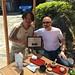 M. Sugiyama recevant un prix d'excellence pour la qualité de ses thés