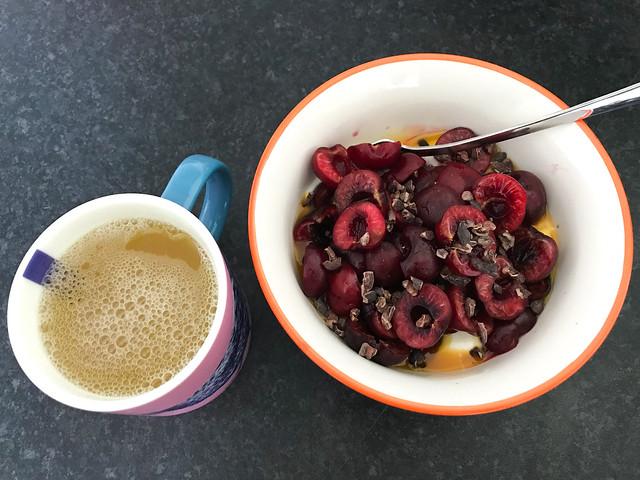Breakfast Yogurt & Fruit Bowl #fruit #yogurt #breakfast #cherry