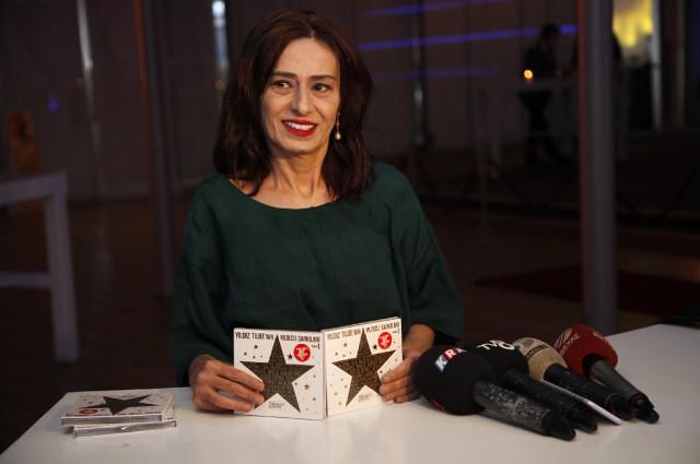 Yıldız Tilbe'nin Sanatçılara Verdiği İftara Aleyna Tilki Görüntülü Bağlandı