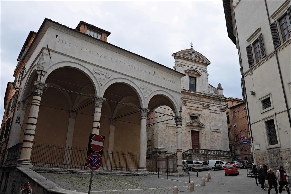 Церковь Сан-Мартино, Сиена, Италия