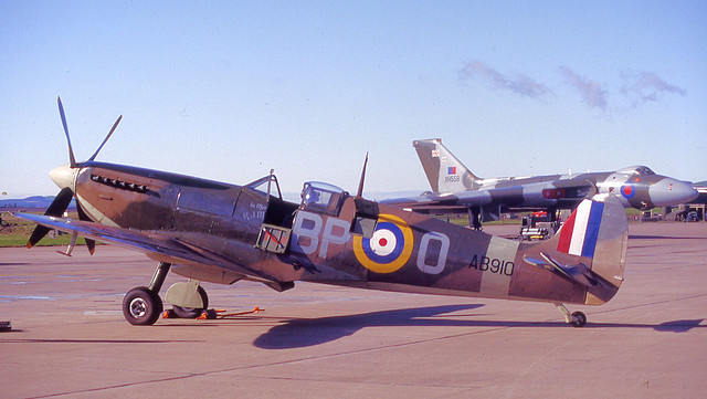 Two iconic British aircraft
